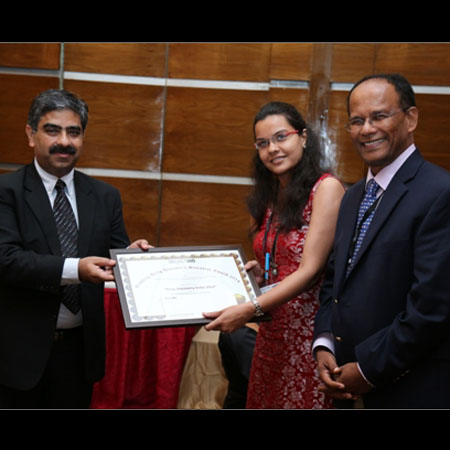 Devyani Swami wins Budding Drug Discovery Scientist Award at the Drug Discovery India 2014 conference