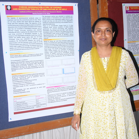 Manisha Puranik wins Best Poster Award at Advances in Forced Degradation Studies of Pharmaceuticals 2014